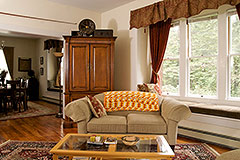 Living Room bed & breakfast anderson valley